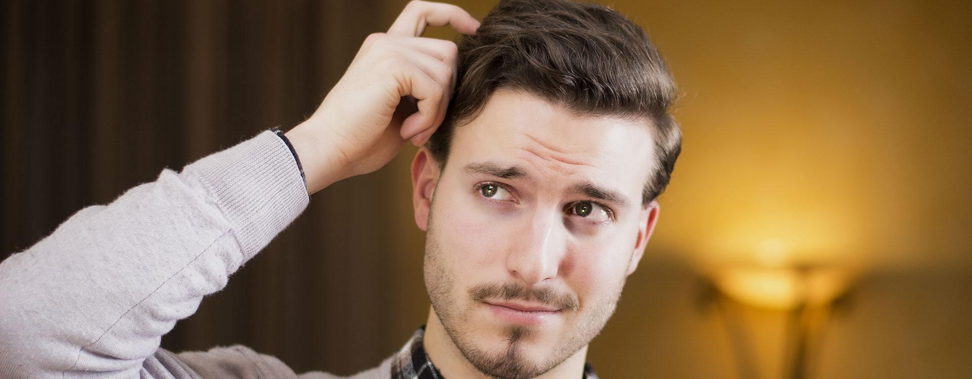 Calvície em foco: por que os homens tendem a perder mais cabelos?